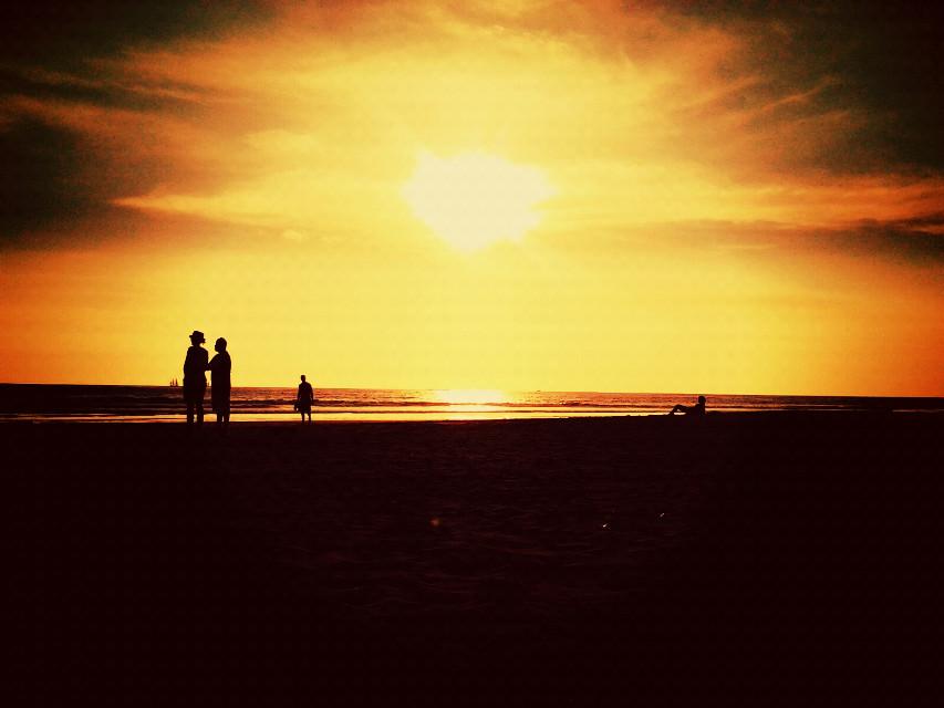 La soledad es la compañera que tendremos al lado aun más fiel que los amigos o los amores.